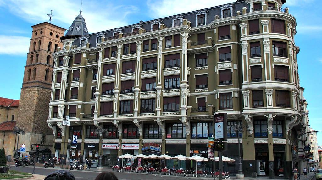 Albergue de peregrinos Hostel Urban Río Cea, León :: Albergues del Camino de Santiago