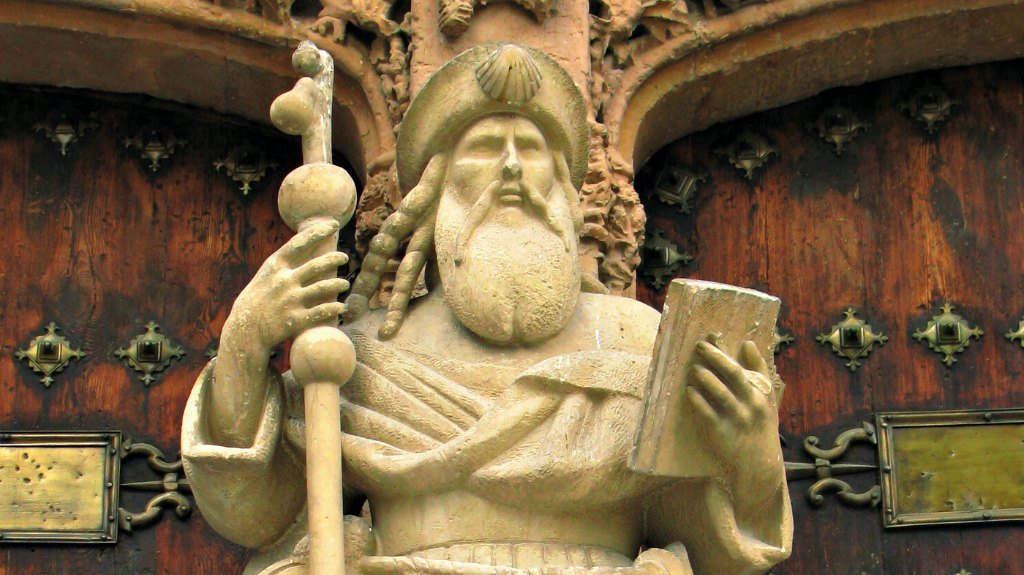 Escultura del Santo en la Iglesia Santiago Apóstol de Orihuela :: Albergues del Camino de Santiago