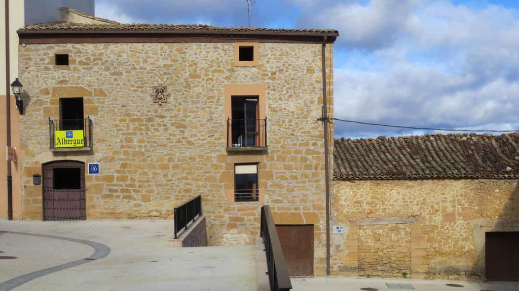 Albergue de peregrinos La Casa Mágica, Villatuerta, Navarra - Camino Francés :: Albergues del Camino de Santiago