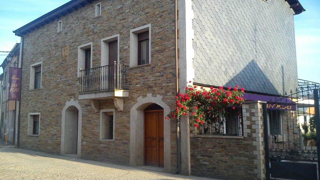 Albergue San Blas, Columbrianos, León :: Albergues del Camino de Santiago