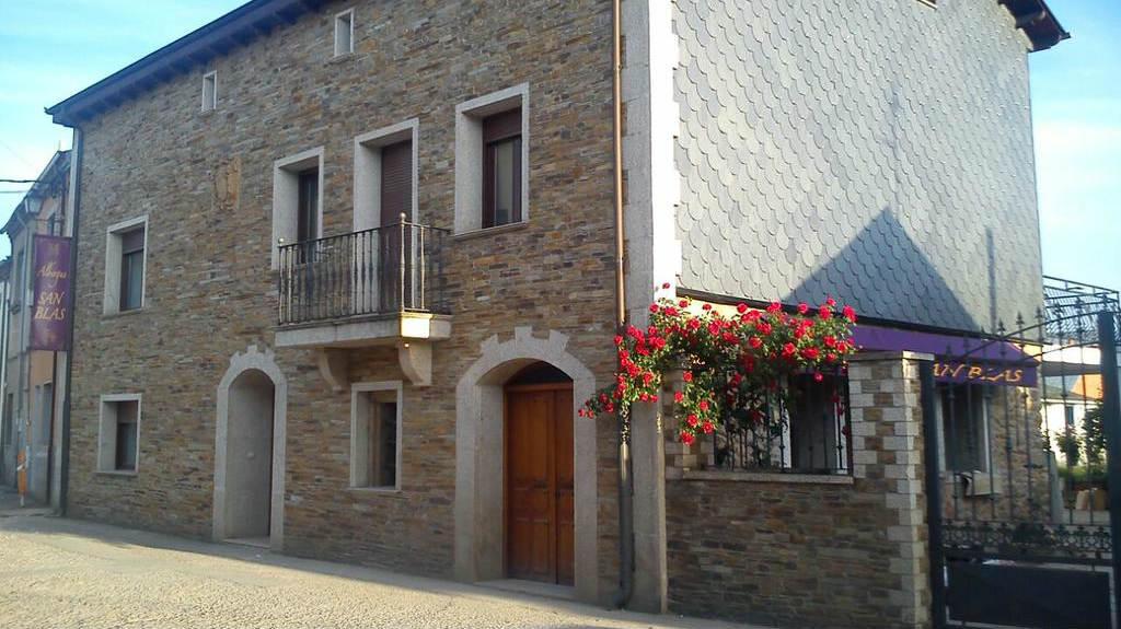 Albergue San Blas, Columbrianos, León - Camino Francés :: Albergues del Camino de Santiago