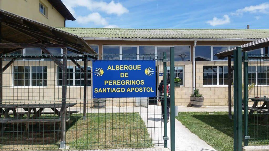 Albergue de peregrinos de Santiago Apóstol, Puente la Reina, Navarra :: Albergues del Camino de Santiago