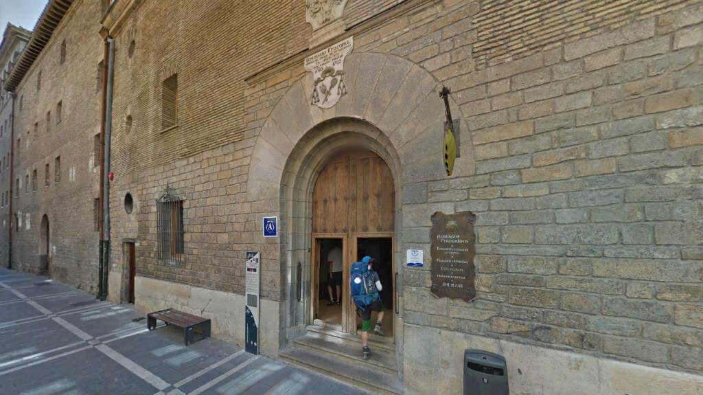 Albergue peregrinos de de Jesús y María, Pamplona - Camino Francés :: Albergues del Camino de Santiago