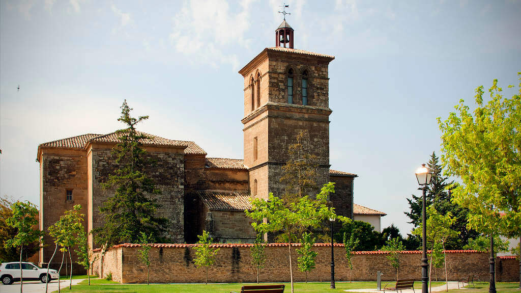 Iglesia de San Esteban, Muruzábal, Navarra, Camino Francés :: Albergues del Camino de Santiago
