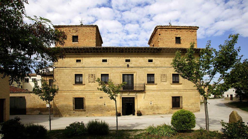 Palacio del Marqués de Zabalegui, Muruzábal, Navarra - Camino Francés :: Albergues del Camino de Santiago