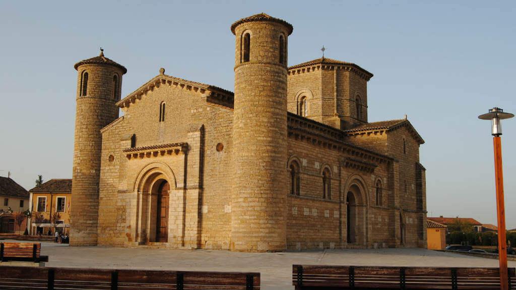 Iglesia de San Martín de Tours, Frómista, Palencia - Camino Francés :: Albergues del Camino de Santiago