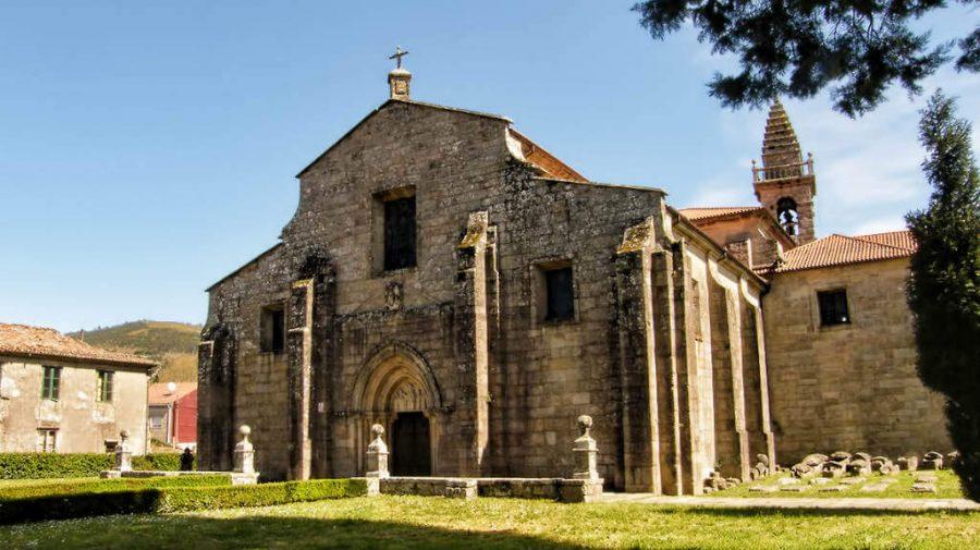 Iglesia de Santa María, Iria Flavia, La Coruña :: Albergues del Camino de Santiago