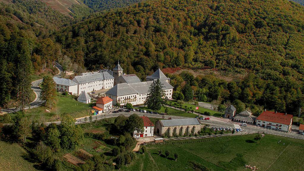 Roncesvalles, Navarra (Etapa de Saint-Jean-Pied-de-Port a Roncesvalles) :: Albergues del Camino de Santiago