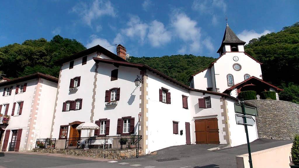 Arnéguy, Francia (Etapa de Saint-Jean-Pied-de-Port a Roncesvalles por Valcarlos) :: Albergues del Camino de Santiago