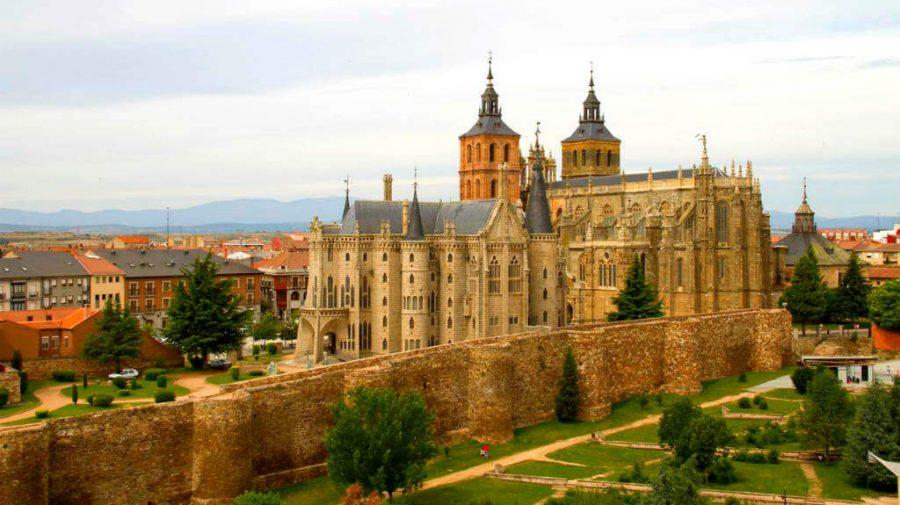 Astorga, León - Camino Francés (Etapa de Villandagos del Páramo a Astorga) :: Guía del Camino de Santiago