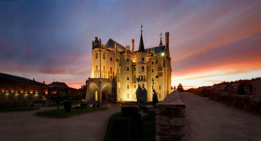 Palacio de Gaudí, Astorga, León (Etapa Astorga - Rabanal del Camino) :: Albergues del Camino de Santiago