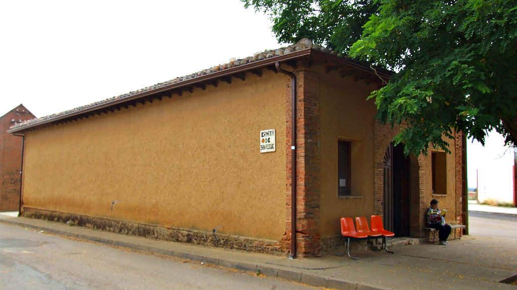 Ermita de San Roque, Bercianos del Real Camino, León - Camino Francés :: Albergues del Camino de Santiago