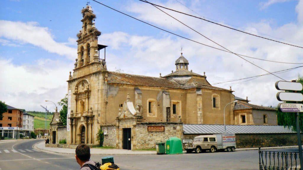Santuario de Nuestra Señora de las Angustias, Cacabelos, León (Etapa Ponferrada - Villafranca del Bierzo, Camino de Santiago Francés) :: Albergues del Camino de Santiago
