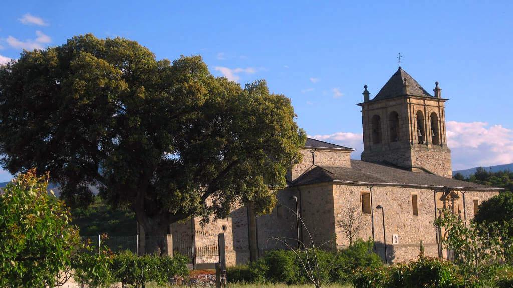 Iglesia de Santa María, Campo (Ponferrada), León (Etapa Rabanal del Camino – Ponferrada, Camino de Santiago Francés) :: Albergues del Camino de Santiago