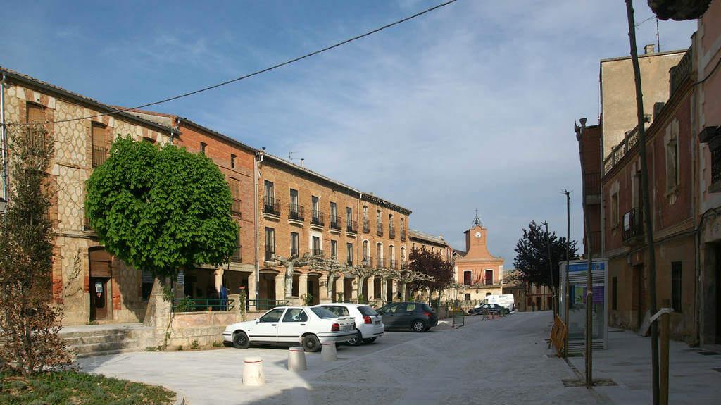 Plaza mayor de Castrojeriz, Burgos (Etapa de Castrojeriz a Frómista) :: Albergues del Camino de Santiago