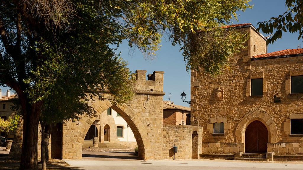 Obanos, Navarra (Etapa de Pamplona a Puente la Reina) - Camino Francés :: Albergues del Camino de Santiago