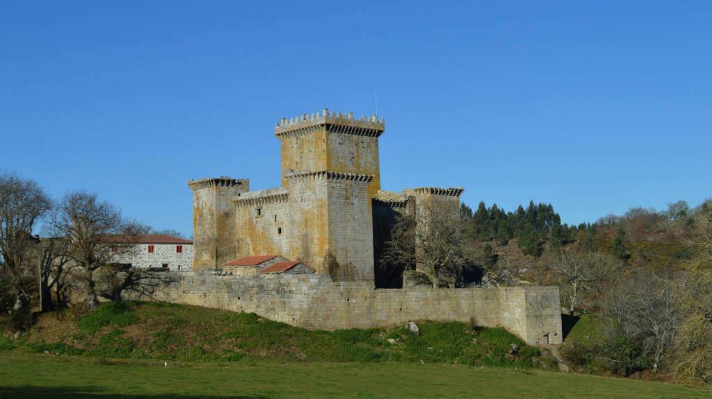 Castillo de Pambre, Palas de Rei :: Albergues del Camino de Santiago