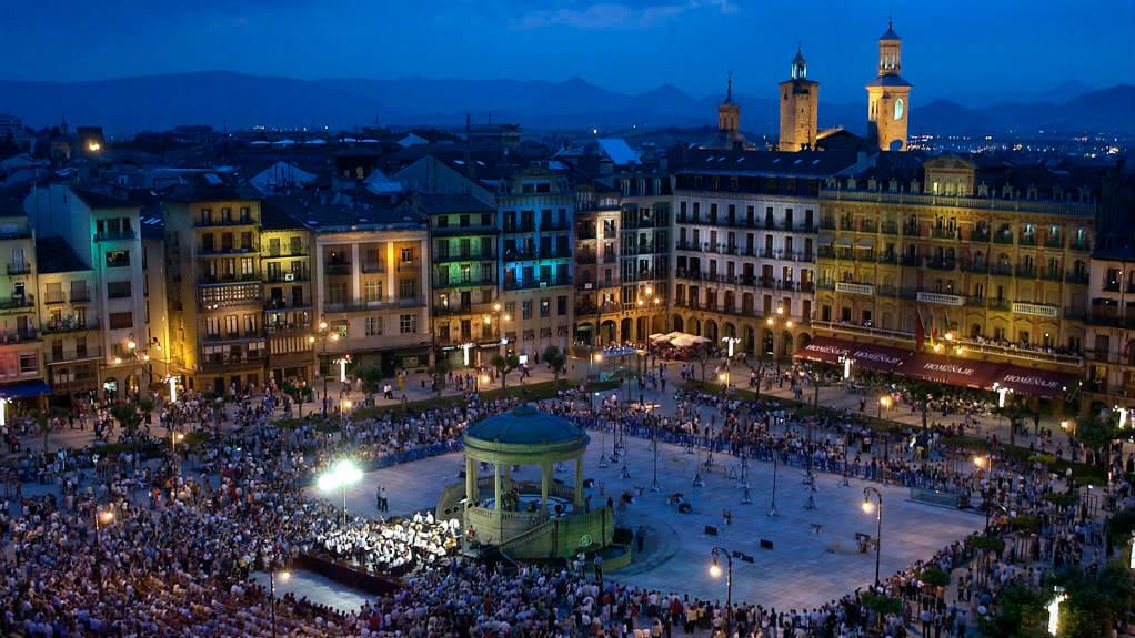 Plaza del Castillo, Pamplona, Navarra (Etapa de Pamplona a Puente la Reina) :: Albergues del Camino de Santiago
