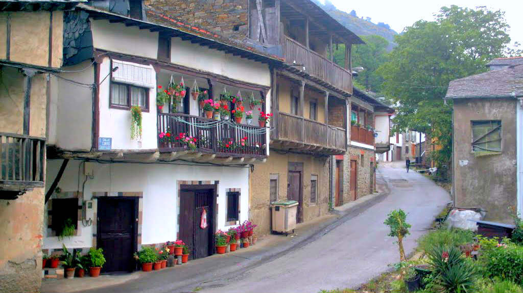 Pereje, León (Etapa Villafranca del Bierzo - O Cebreiro) :: Albergues del Camino de Santiago