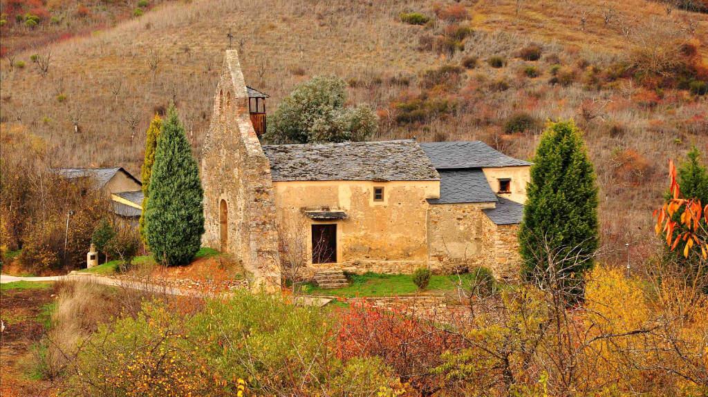 Iglesia de San Martín de Tours, Pieros, León (Etapa Ponferrada - Villafranca del Bierzo, Camino de Santiago Francés) :: Albergues del Camino de Santiago