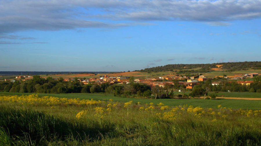 Vista de Santibáñez de Valdeiglesias, León - Camino Francés (Etapa de Villandagos del Páramo a Astorga) :: Guía del Camino de Santiago