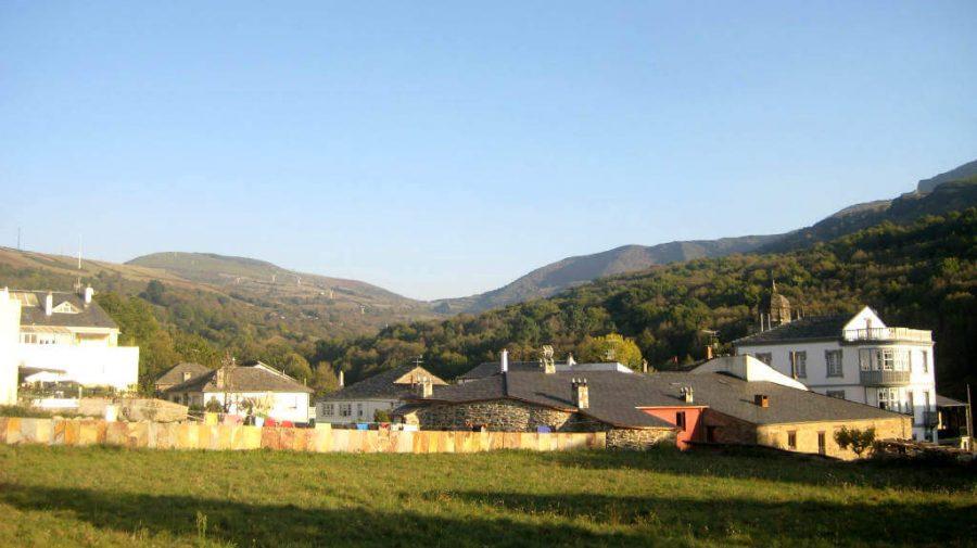 Vista de Triacastela, Lugo (Etapa O Cebreiro - Triacastela - Samos) :: Albergues del Camino de Santiago