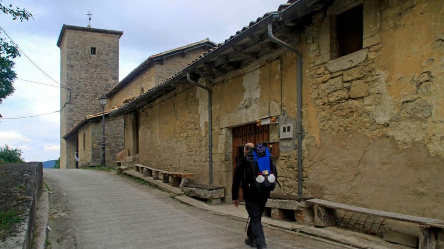 Zabaldika, Navarra - Camino Francés (Etapa de Zubiri a Pamplona) :: Guía del Camino de Santiago