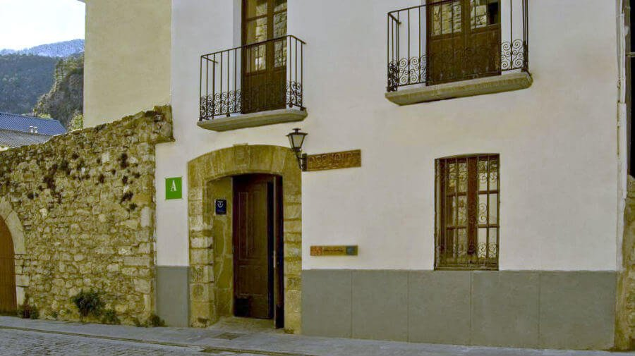 Albergue Refugio Sargantana, Canfranc - Camino Aragonés :: Albergues del Camino de Santiago