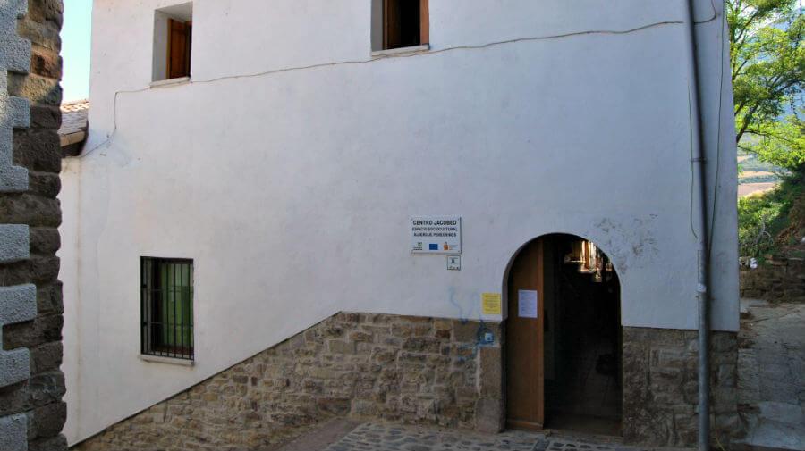 Albergue de peregrinos municipal de Monreal - Camino Aragonés :: Albergues del Camino de Santiago
