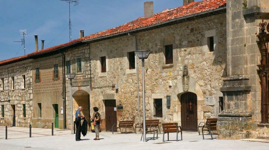 Albergue de peregrinos del monasterio de San Juan de Ortega, Burgos - Camino Francés :: Albergues del Camino de Santiago