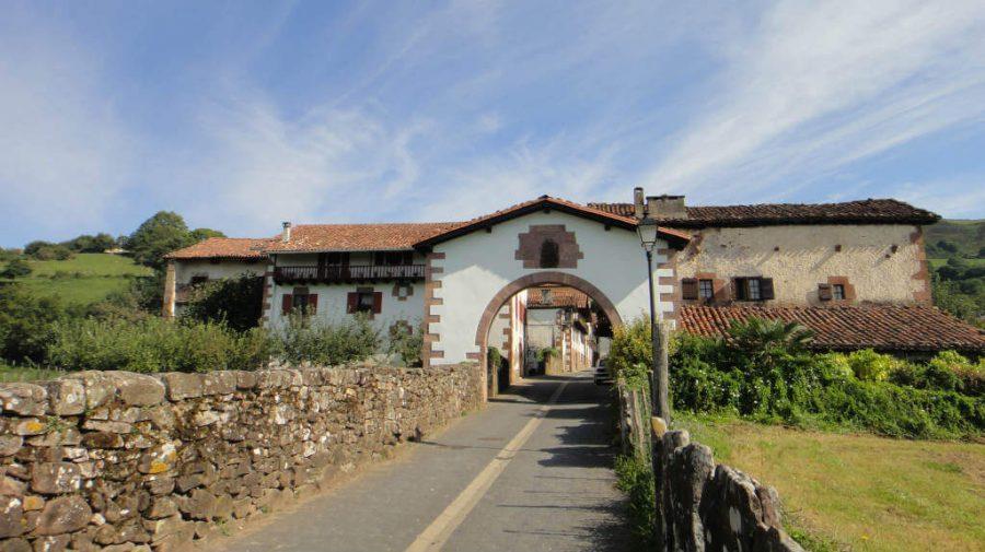 Entrada a Amaiur/Maya, Navarra, Camino de Santiago Baztanés :: Albergues del Camino de Santiago