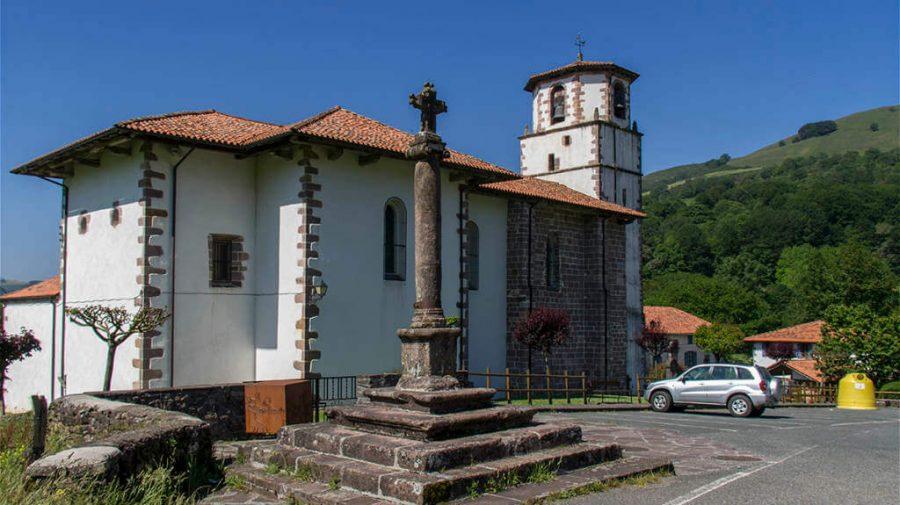 Iglesia de la Asunción, Amaiur/Maya, Navarra, Camino de Santiago Baztanés :: Albergues del Camino de Santiago