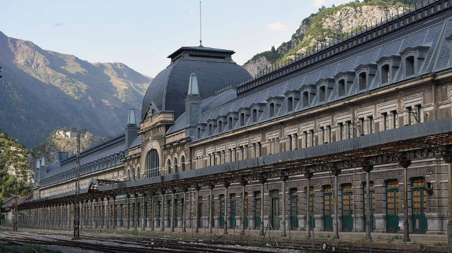 Canfranc-Estación (Huesca) - Camino Aragonés :: Albergues del Camino de Santiago