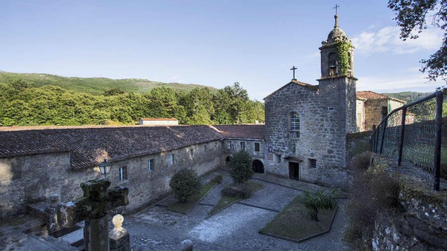 Monasterio de Herbón - Camino Portugués :: Albergues del Camino de Santiago