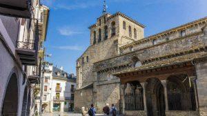 Catedral de Jaca, Camino Aragonés :: Albergues del Camino de Santiago