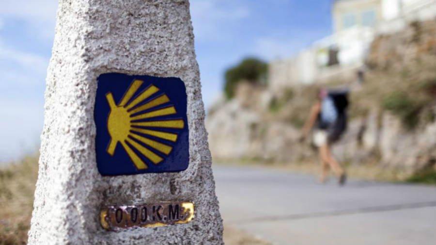 Marca en piedra del Camino de Santiago :: Albergues del Camino de Santiago