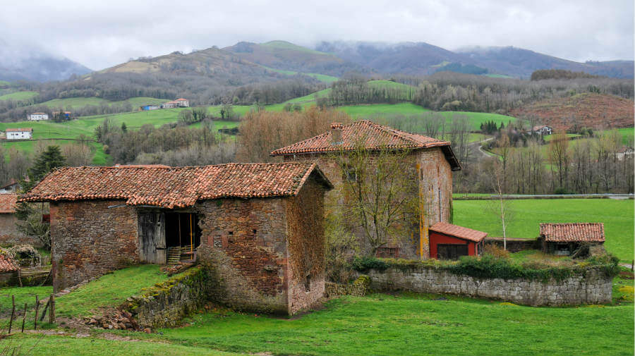 Palacio de Ursúa, Navarra, Camino de Santiago Baztanés :: Albergues del Camino de Santiago