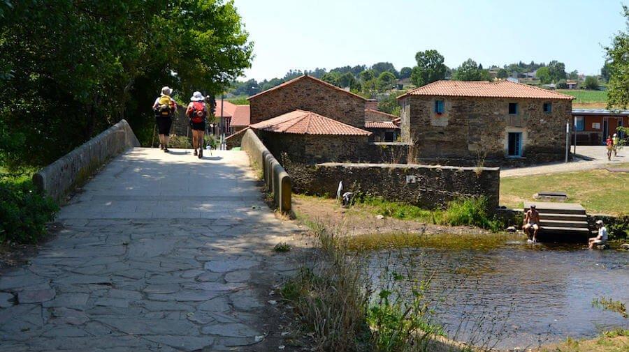 Ribadiso da Baixo, La Coruña - Camino Francés (Etapa de Palas de Rei a Arzúa) :: Guía del Camino de Santiago desde Sarria
