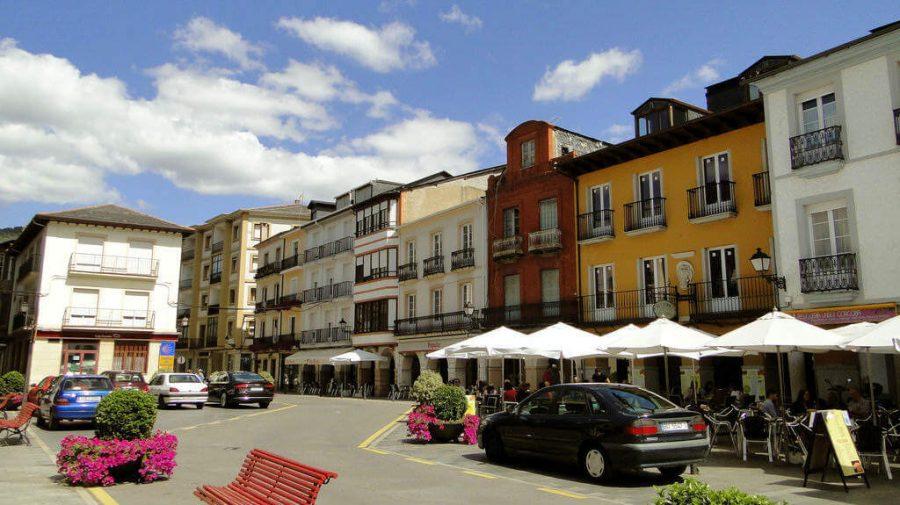 Plaza Mayor de Villafranca del Bierzo, León :: Albergues del Camino de Santiago