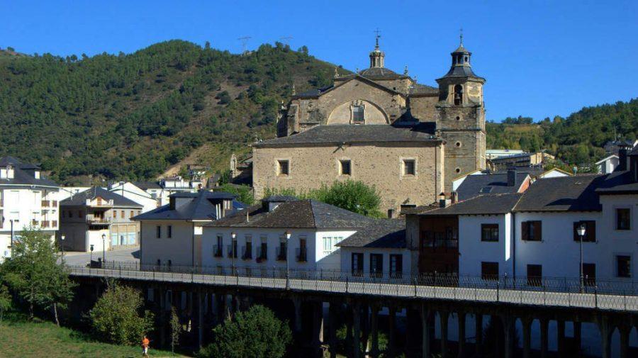 Vista de Villafranca del Bierzo, León :: Albergues del Camino de Santiago