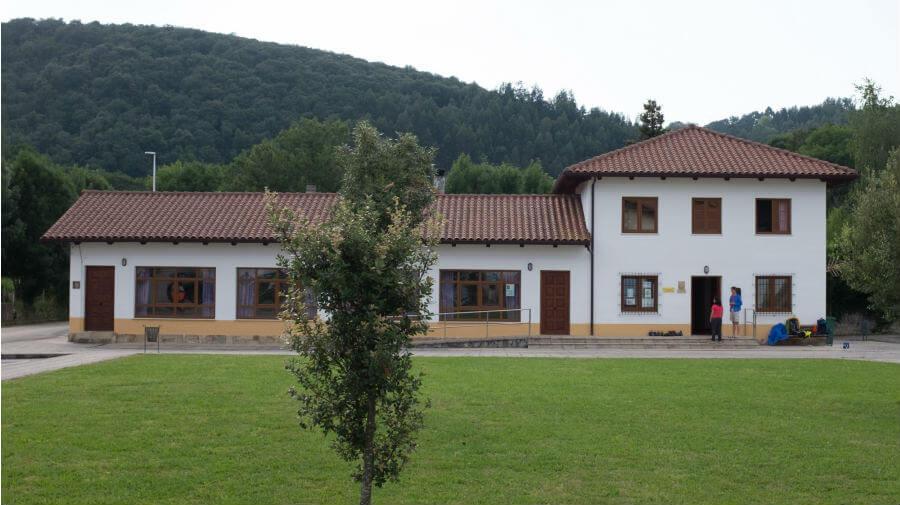 Albergue de peregrinos Saturnino Candina, Hazas (Liendo, Cantabria) - Camino del Norte :: Albergues del Camino de Santiago
