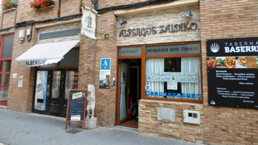 Albergue Zaldiko, Zubiri, Navarra - Camino Francés :: Albergues del Camino de Santiago