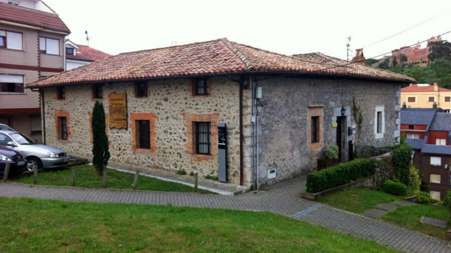 Albergue de peregrinos La Peña, Comillas (Cantabria) - Camino del Norte :: Albergues del Camino de Santiago