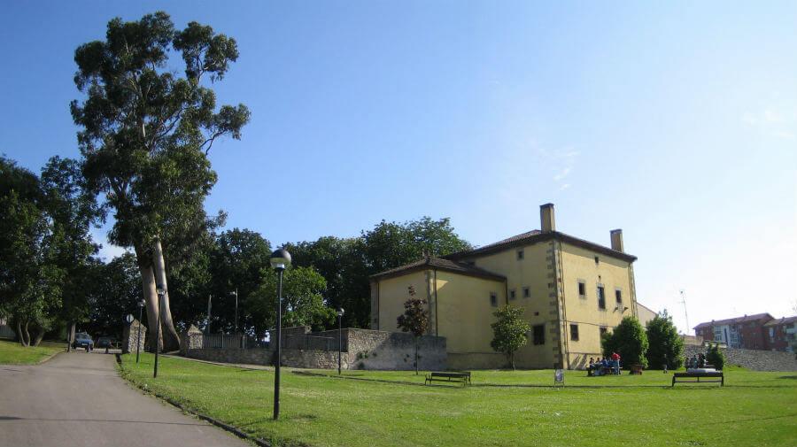 Albergue juvenil San Andrés de Cornellana, Gijón - Camino del Norte :: Albergues del Camino de Santiago