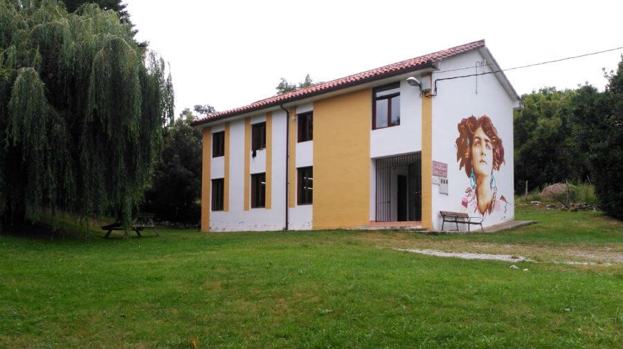 Albergue de peregrinos municipal de Serdio, Cantabria - Camino del Norte :: Albergues del Camino de Santiago