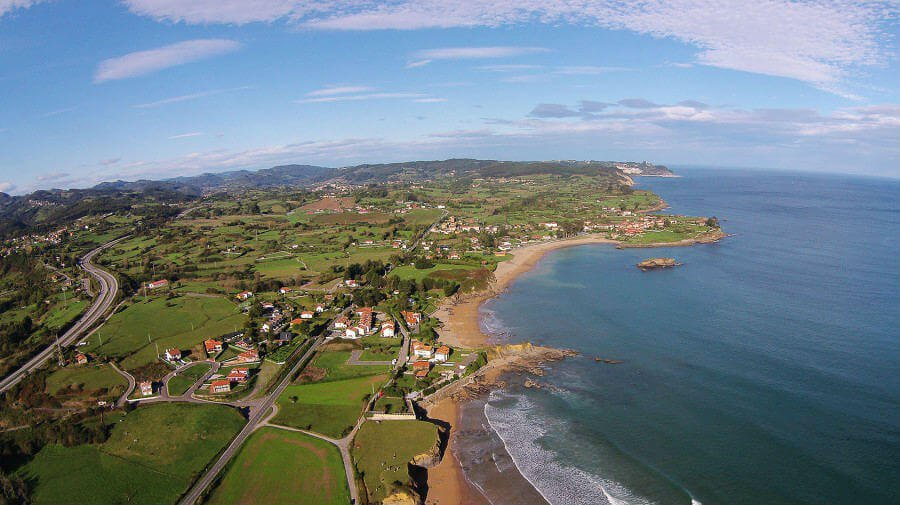 La Isla, colunga (Asturias) - Camino del Norte: :: Albergues del Camino de Santiago