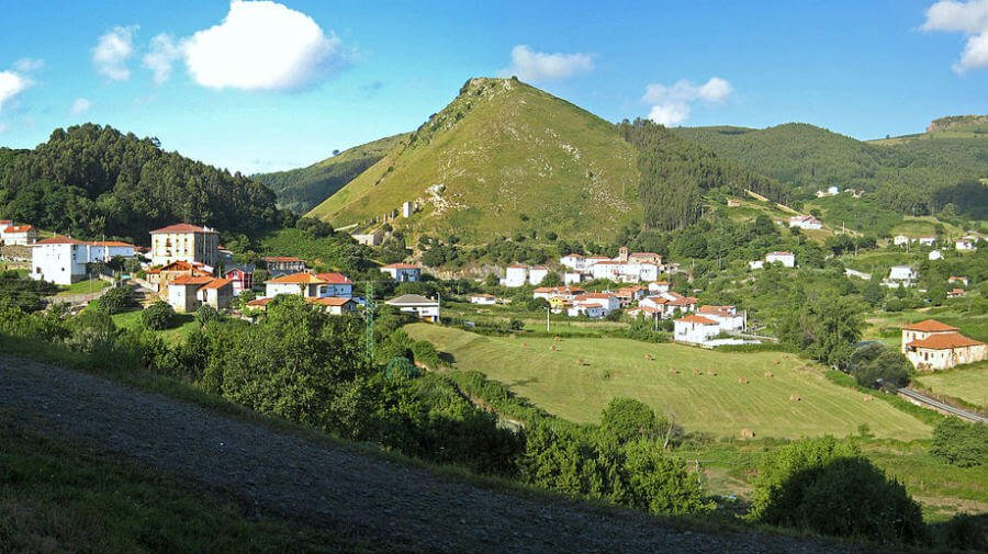 Vista de Liendo (Cantabria) - Camino del Norte :: Albergues del Camino de Santiago