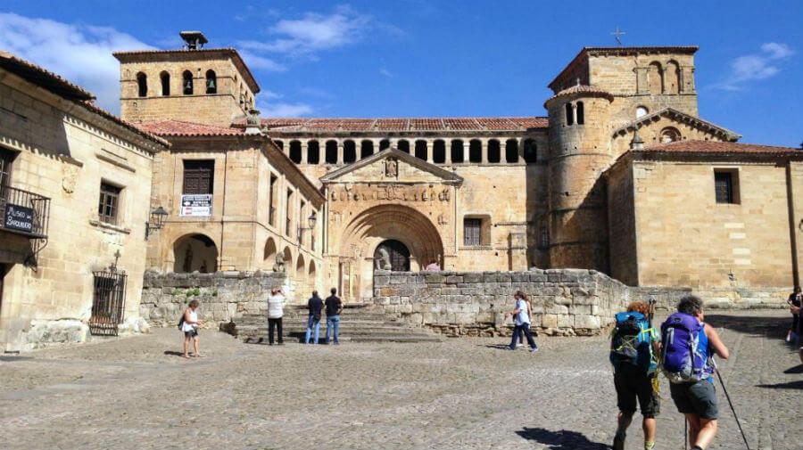 Colegiata de Santa Juliana, Santillana del Mar, Cantabria - Camino del Norte :: Albergues del Camino de Santiago