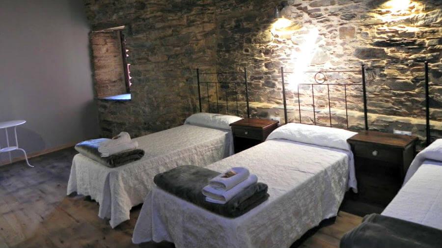 Albergue Atrio, Triacastela, Lugo - Camino Francés :: Albergues del Camino de Santiago