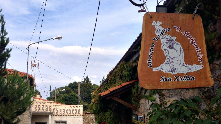 Albergue O Abrigadoiro, San Xulián do Camiño, Lugo - Camino Francés :: Albergues del Camino de Santiago